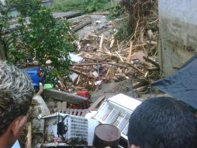registro da tragedia na Baixada Fluminense